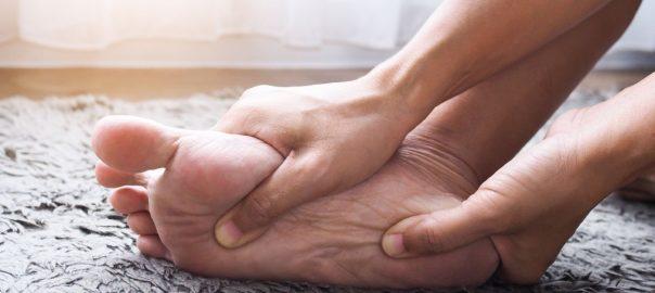 Bolesť a tŕpnutie nôh od chrbtice